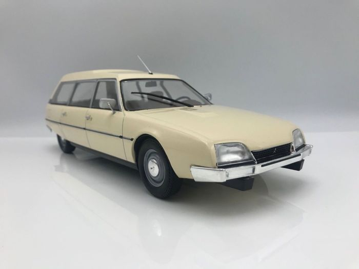MCG - Schaal 1/18 - Citroen CX Break
