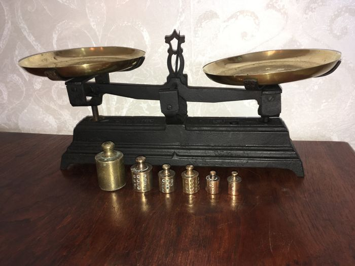 French set of scales Force 5 kg with a Dutch weight set