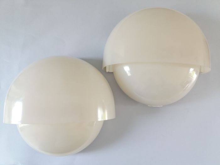 Vico Magistretti for Artemide - 2 Grande Mania wall lights, vintage edition