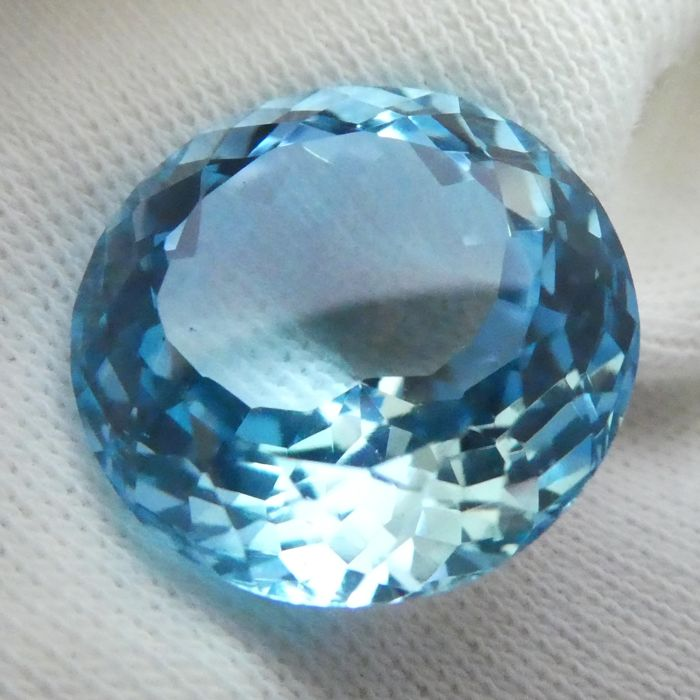 Topaz – 16.57 ct – No Reserve Price