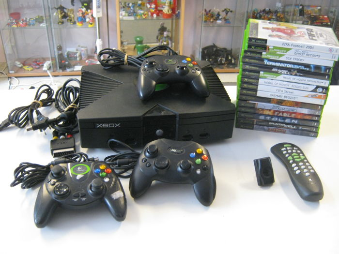 Original Xbox + 3 controllers and 15 (some rare) games like: Fable + Jade Empire + Reign of fire + Stolen + Ghostrecon + Terminator and more