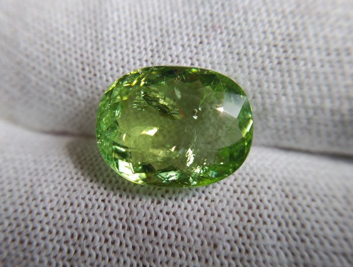 Yellowish Green - Paraiba tourmaline - 5.98 ct