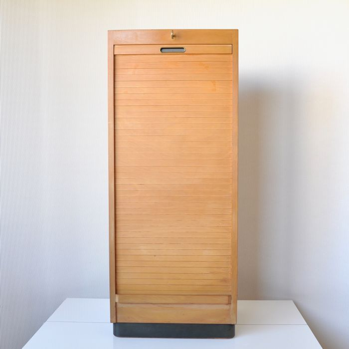 Ekawerk Horn Lippe - High wooden (plywood) shutter filing cabinet - 9 plastic drawers + original key and lock