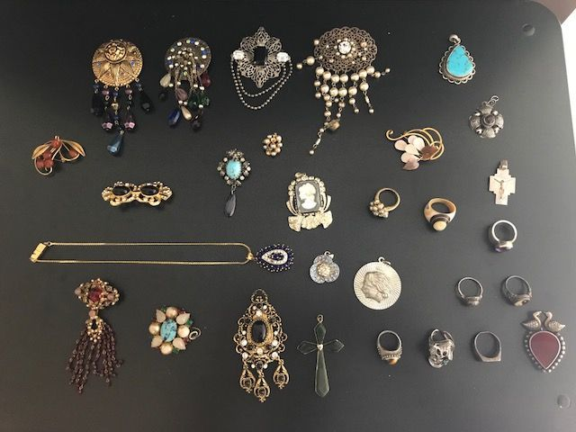 Nice Vintage Selection Mixed Items & Lots Steady Costume Jewellery