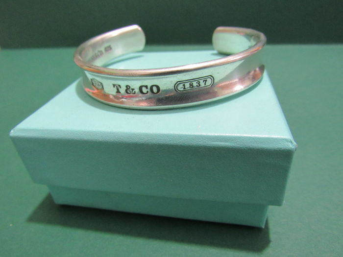 Rare 1997, 925 Silver Tiffany Cuff bangle.