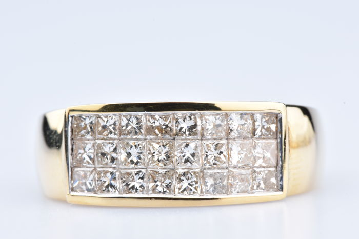 18 kt yellow gold ring 24 diamonds in baguette cut of approx. 1 ct in total