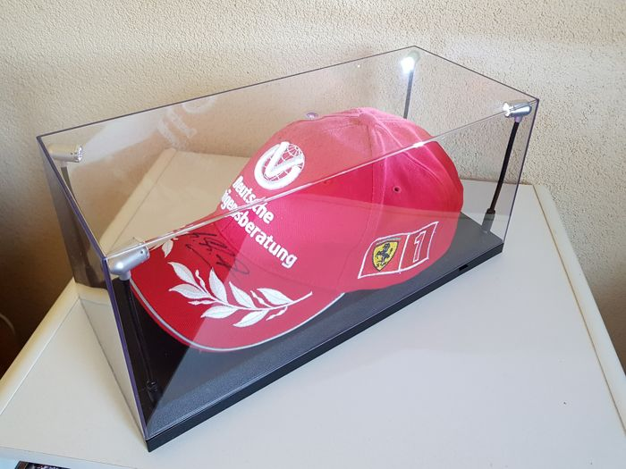 Michael Schumacher - Originel Ferrari Cap  - hand signed in new LED Light display case + COA