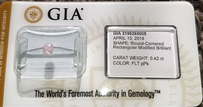 0.42 ct GIA certified natural Fancy light purplish pink diamond