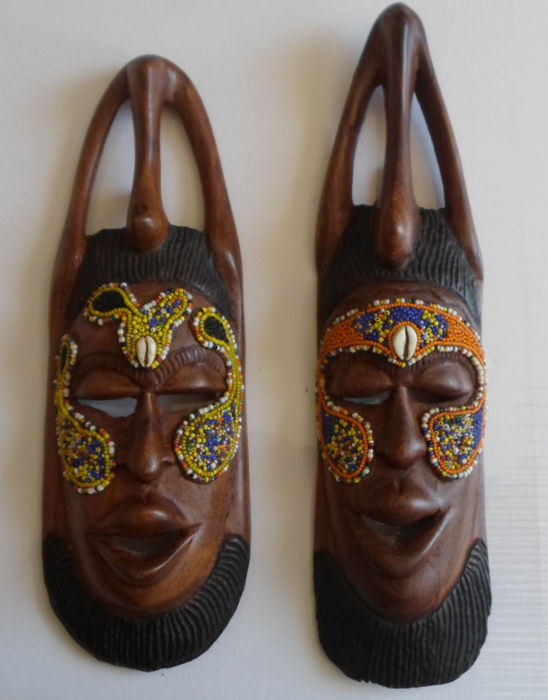 2 x solid teak couple masks from Senegal - Entirely handmade - Inlaid pearls and shells