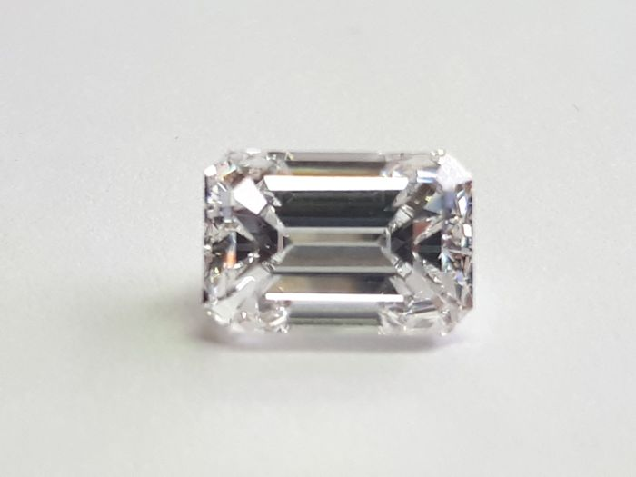 Diamond 2ct Emerald cut E VS1 with GIA cert