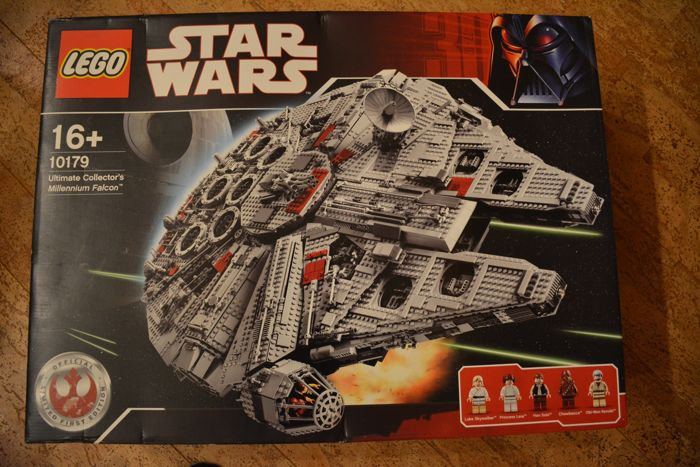 Star Wars - 10179 - Millennium Falcon - UCS  with Certificate of authenticity
