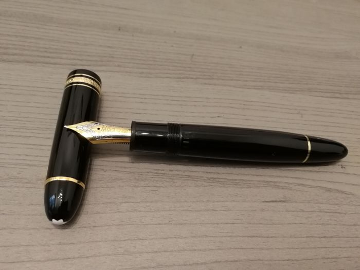 Montblanc 149 black fountain pen with Fine nib in mint condition