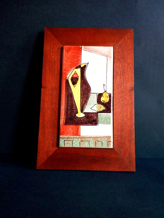 Vintage - Hand-painted majolica tile with wooden frame: Carafe with fruit in the kitchen