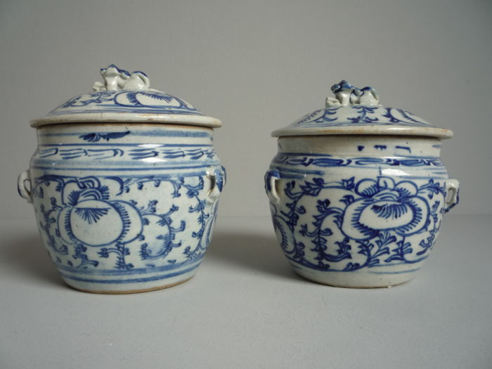 Two pots with lid with floral decor and foo-dog on lid-China - around 1920