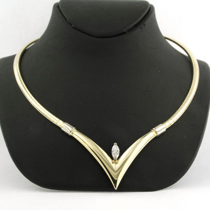 14 kt bicolour gold necklace set with a marquise cut diamond of approx. 0.35 ct in total