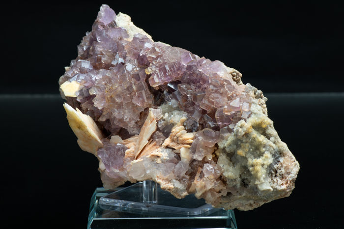 Large Lustrous Fluorite, Baryte and Quartz on Matrix - 17.0 x 9.0 x 5.0 cm - 670 gm