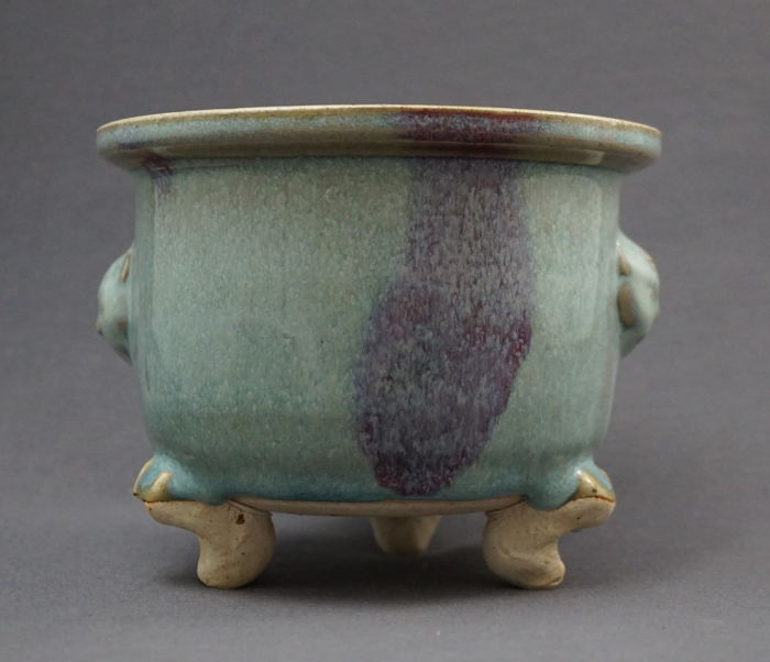 Incense burner or flower pot with very fine Yun glaze - China - late 20th century