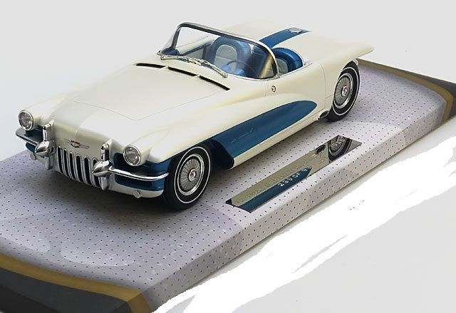 MiniChamps - 1:18 - LaSalle II Roadster Concept 1955 General Motors Mo - Limited 999 pcs.