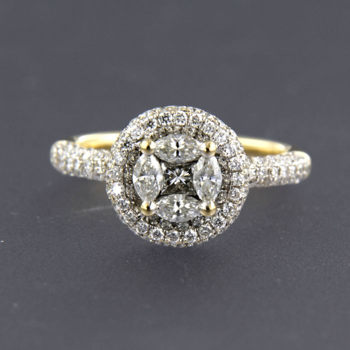 - CHAPEAU - 18 kt bicolour ring centrally set with princess, marquise and brilliant cut for sale