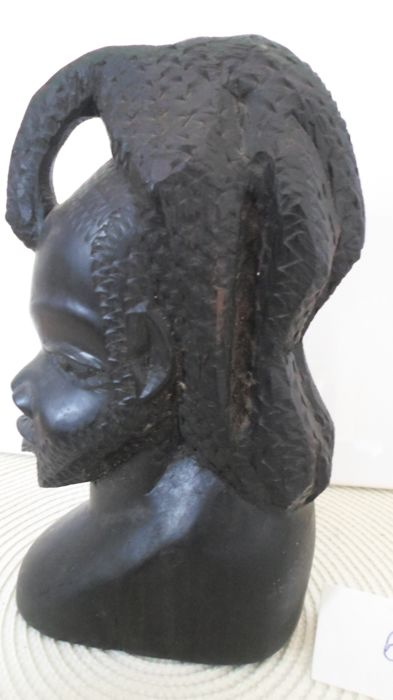 Beautiful sculpture - Head bust of a young African woman with braids - Ebony