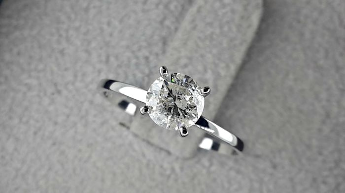 0.76 Carat Solitaire Diamond Ring 14Kt Solid White Gold – *** NO RESERVE PRICE **