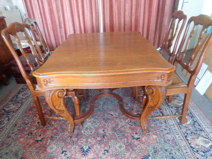 Oak dining table with six seats - Belgium, circa 1960