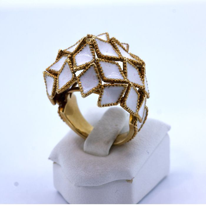 Gold cocktail ring with enamel