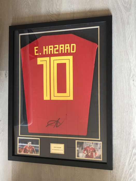 Eden Hazard signed framed Belgium home world cup 2018 shirt with photos of the moment of signing and COA