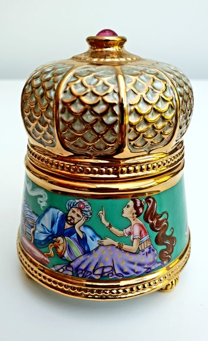 "Fabergé - Faberge Imperial Music Box Collection ""Scheheregade"" - Fine Porcelain, Complete with 24 carat gold"