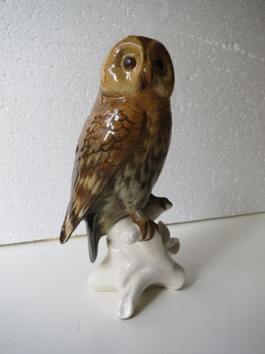 Porzellanfabrik Karl Ens Volkstedt-Rudolstadt - porcelain bird figurine, of a Short-eared Owl