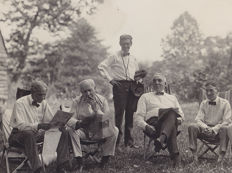 Unknown/Pacific & Atlantic/ACME  - Henry Ford, Thomas Edison, President W. G. Harding, 1921 / Henry Ford, 1938