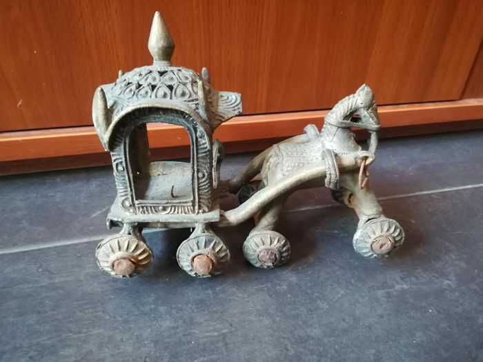Indian figurine in iron - India - first half of the 20th century