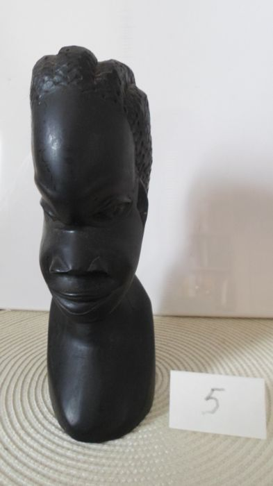 Beautiful sculpture - Head bust - Young African woman with braids - Ebony