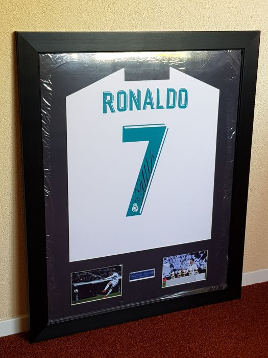 Ronaldo - Real Madrid, Portugal -hand signed framed official Real Madrid Home 2018 + COA + photo signing session