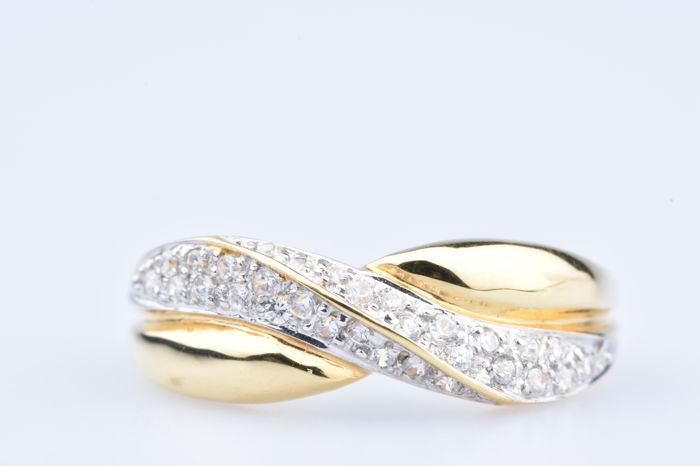 18 kt yellow gold ring with 30 diamonds of approx. 0.30 ct in total - Size: EU: 54, US: 6 3/4.