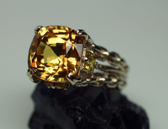 Gold Ring - 8.32 gr. with Rarity: Natural Yellow Orangy Sapphire - 8.05 сt. - Size: 57