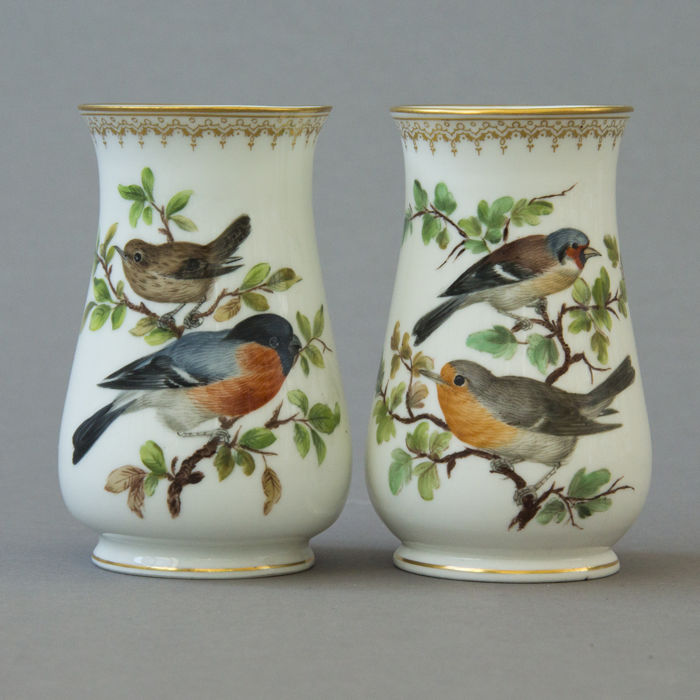 Meissen two porcelain vases with a bird decor catawiki for Decor traduction