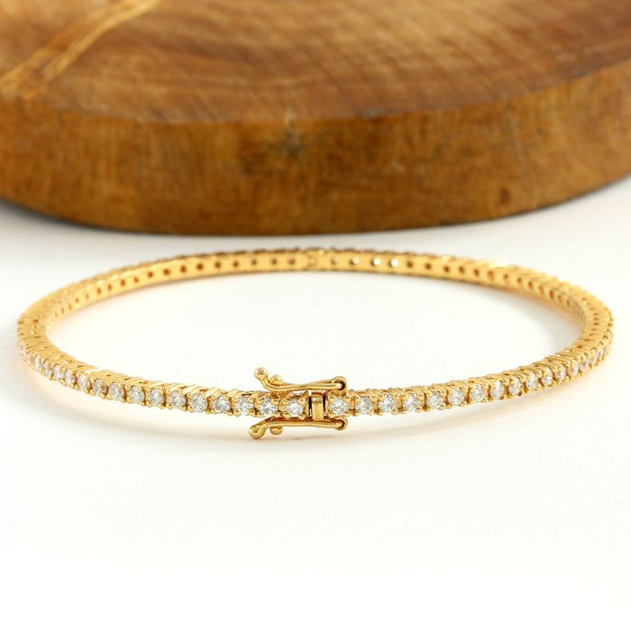 18kt/750 Yellow Gold - 2.00 ct Round Cut Diamond Bracelet; 19cm in Length
