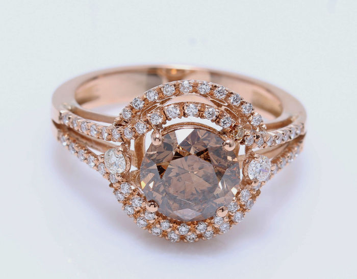 18kt GIA certified Rosé Gold with Double halo Model Ring with 2,28 carat of Fancy Natural Dark Orange Brown the center stone