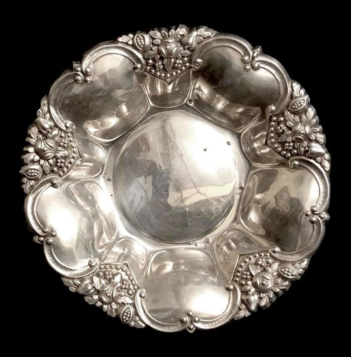 A , first half 20th Century , solid silver , spanish fruit bowl - centerpiece , with maker marks and seal , Louis XV style - 205 gr