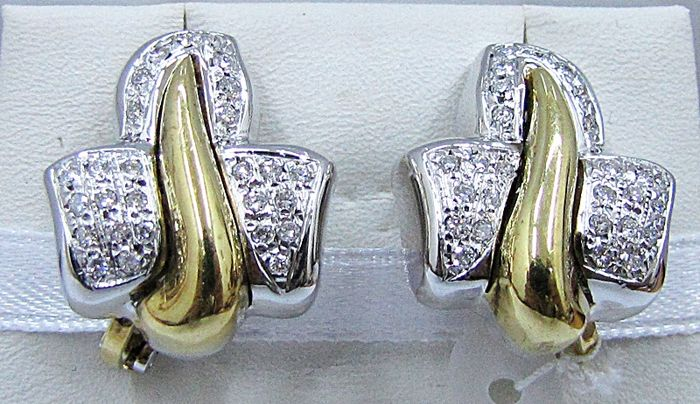 Earrings in two tones of 18 kt gold Diamonds totalling  0.64 ct