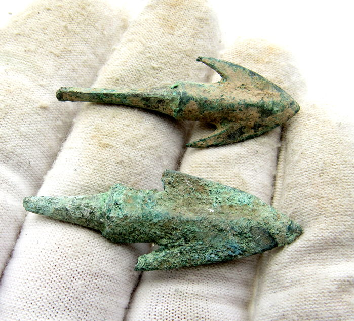 Pair of Ancient Greek Arrowheads - 42-45 mm (2)