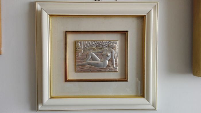 Silver bas-relief, depicting a female nude, framed and with glass - Italy, 1960s-70s
