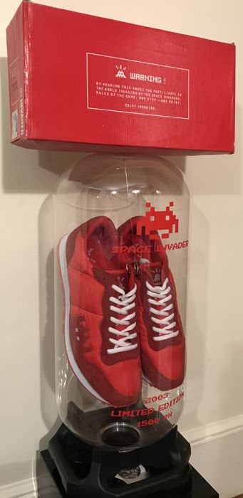 Invader - Red 01 Point Sneakers Package
