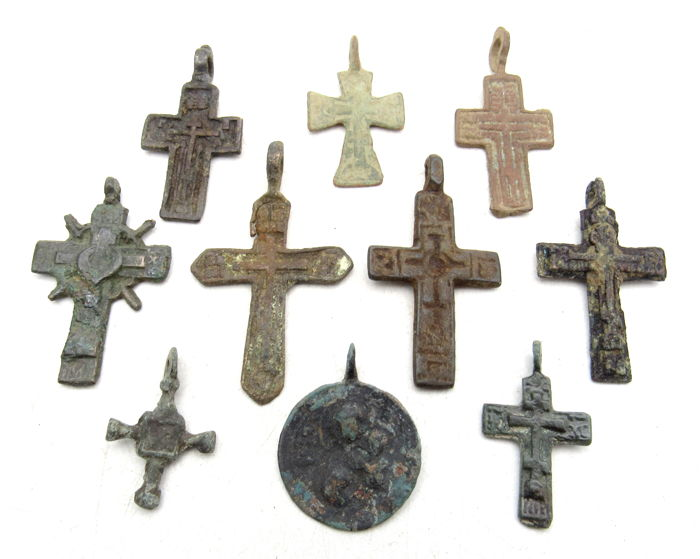 Very Fine Selection of 10 Medieval / Post Medieval Cross Pendants - 24-46 mm (10)