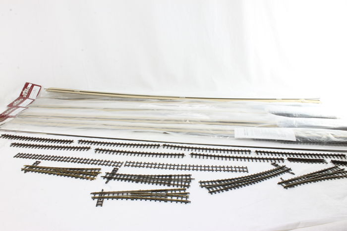 Bemo H0m - 4245 017 / 4245 027 - Tracks - Switches, cogwheel rails