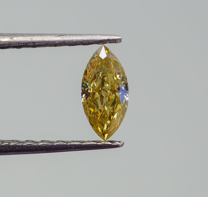 0.30 ct - Natural Fancy Diamond - Yellow - I1 *NO RESERVE*