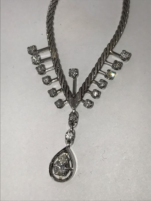 Diamond white gold choker necklace with pendant drops about 0.5 ct and single small 0.05 ct diamonds & 2 0.1 ct diamonds