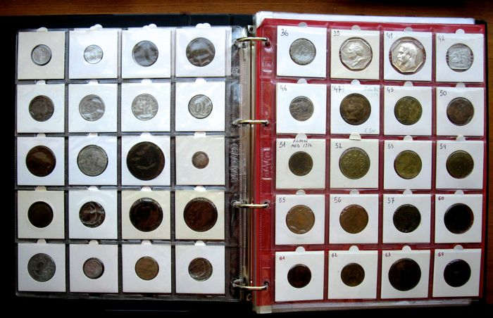 France - Collection Jetons and Medals 1554/1922 - 43 different in album with description