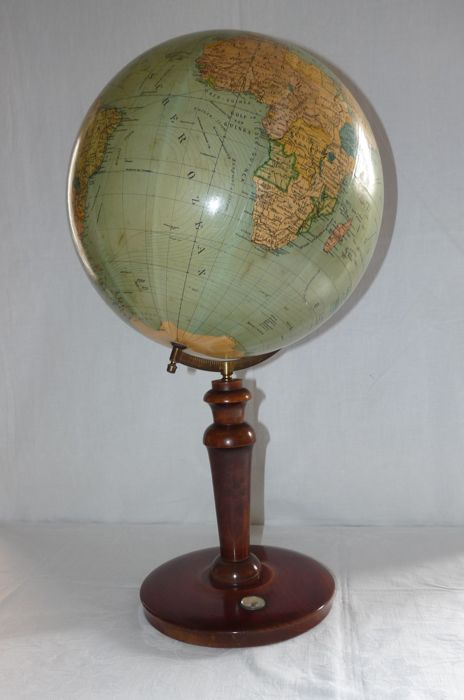 Columbus - antique desk globe on a tall wooden stand - Columbus - Antique Desk Globe On A Tall Wooden Stand - Catawiki